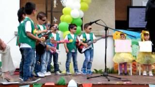festa de final do ano letivo são martinho do vale meninos do jardim de infância (parte 1)