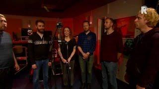 Anneke van Giersbergen & Árstíðir - Heyr Himna Smiður - Live uit Lloyd