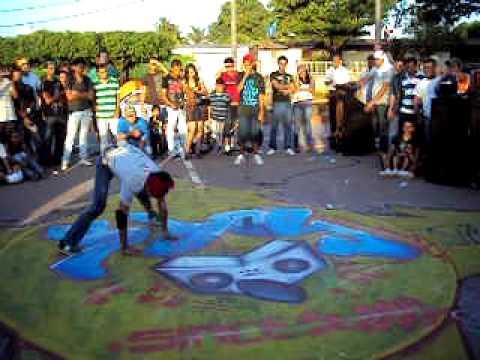 Escena Bboy Nicaragua – Eliminatorias Nica Killed The Beat 2011- Bboy-Larry  Vs Bboy-Hanger