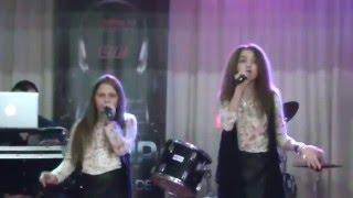 EMMA & MEDEEA - In rândul patru (cover) - la Bacău.