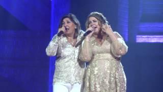 Roberta Miranda e Marília Mendonça (Bastidores gravação DVD) 08/03/2017