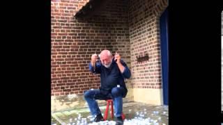 Urbanus speelt vals met Ice Bucket Challenge - Radio 2