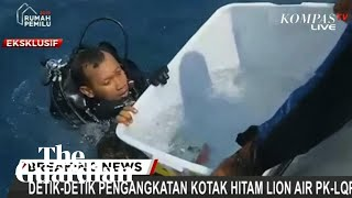 Divers retrieve black box from Lion Air plane