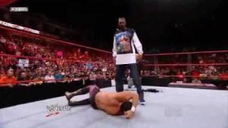 WWE RAW 19/10/09 Snoop Dogg Spears Chavo Gurrerro