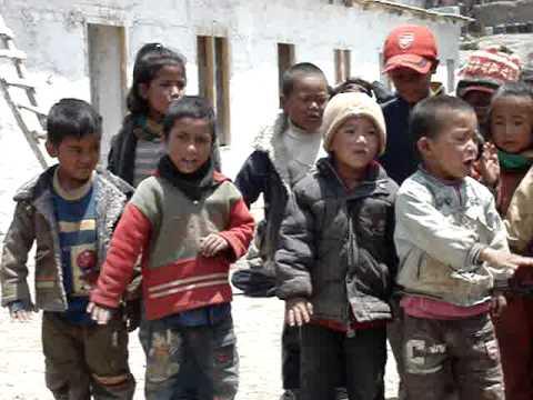 Young Lupra Schoolchildren Singing