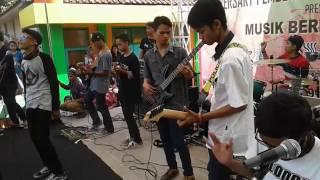 Cibalarasta-Saat Ku Luka(Cover Crazy Rasta)@Karikil Mangkubumi