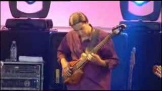 Xavier Padilla bass solo with Gipsy Kings live, London, 2005