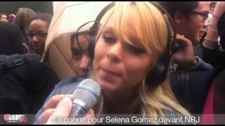 La cohue pour Selena Gomez devant NRJ - C'Cauet sur NRJ