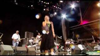 Lily Allen - Knock 'Em Out (Live) - T in the park festival 2007