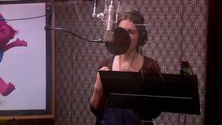 Anna Kendrick Singing Can't Stop the Feeling