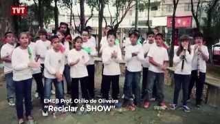 Professores ensinam música e reciclagem e a escola ganha prêmio