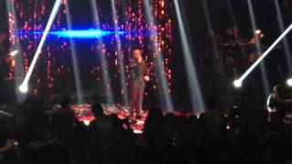 Notis Sfakianakis - Δίνει τα φιλιά - Παράλληλα (Live) Πύλη Αξιού 2017