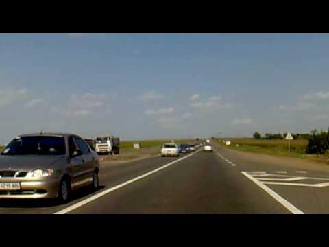 Ukrainischer Highway zwischen Odessa und Koblevo