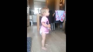 Baby tv dansje.