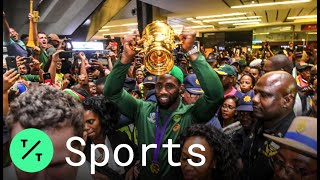 South Africa Rugby Champions Get Heroes' Welcome Home