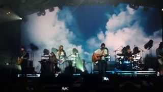 Angus & Julia Stone Live - Big Jet Plane (Sydney Opera House)