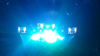 Kings Of Leon - Radioactive Live (2017.06.27 Vilnius Siemens Arena)