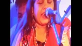 "Aapki Nazro Ne Samjha - Sadhana Sargam Live in ""Khazana - A Festival of Ghazals"""