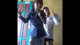Dua bocah gemari,,lagu india