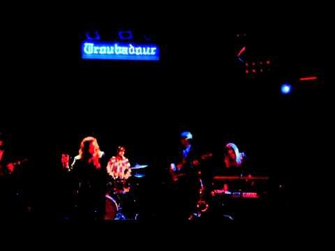 wild-belle-when-its-over-live-hd-2012-hollywood-troubadour-razorstarzz