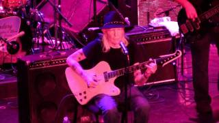 "Johnny Winter LRBC 2010 ""I'm Tore Down"""
