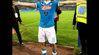 """Gonzalo Higuain HD canta """"un giorno all'improvviso"""" dopo napoli - inter 2-1"""