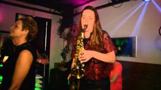 Bakerstreet- Undercover sax & dj Live in the club