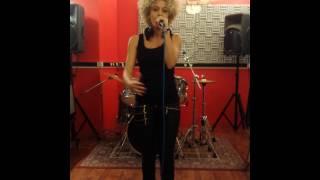 Helly Harma chante No Sunshine - Studio Live