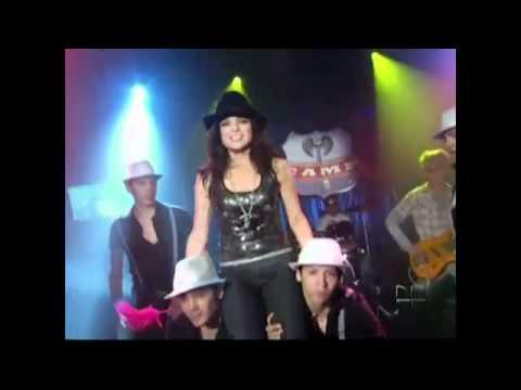 Divina de Violeta Isfel Letra y Video