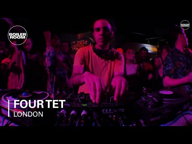 Four Tet en directo para la Bolier Room London.