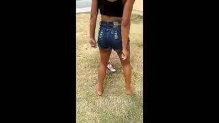 Novinha dançando Medley do AC