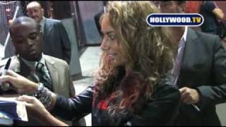 Leona Lewis Signs Autographs for fans