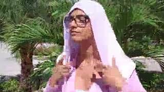 Adegan Mia Khalifa di salah satu film yang diperankan