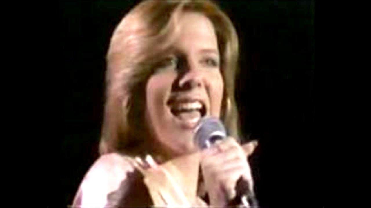You Light Up My Life -  Debby Boone (Lyrics on screen)