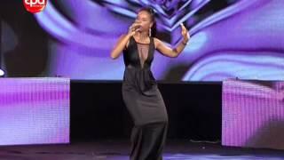 Chelsy Chantel na gala Angola 35° 18-05-14