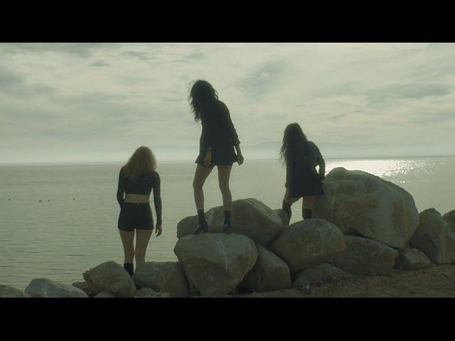 video oficial del tema get lost de l.a.witch