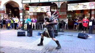 """Bagpipes AC/DC """"Thunderstruck"""" with flames Bad Piper"""