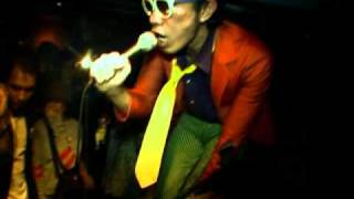 Modern Bob (Official Video Clip)
