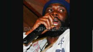 Terry Ganzie - Who To Trust (Death In The Arena Riddim)