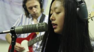 """Katie Pham & The Moonbathers - """"Thick Cut"""" // Live at Delicious Clam"""