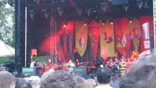 Bjork - Army Of Me (Live)