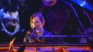 Tori Amos Putting the Damage on