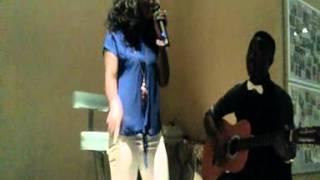 Solange interpretando a música angolana com o título te amo da yola araujo