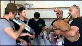 Bujos - Maio de 2011 - Dia da Aldeia com o grupo de gaiteiros TOKANDAR dos Bujos (video 5)