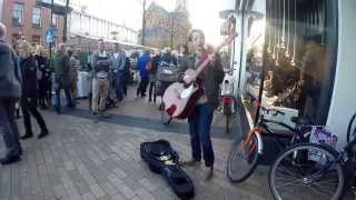 Banana Pancakes- Jack Johnson (cover by a street performer)