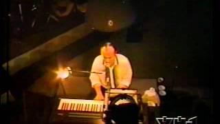 PHIL COLLINS - LIVE AT MSG - GROOVY KIND OF LOVE.avi