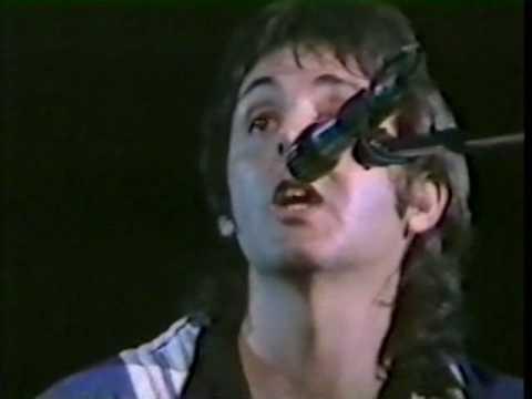 paul-mccartney-blackbird-live-version-fom-70s-ximente