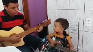 CCB HINO AVULSO - Criança cantando - NOSSO QUE ESTÁ NOS CÉUS.