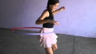 Vídeo Amandha Leite rodando bambolê