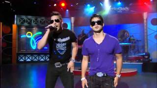 RKM and Ken-Y - Mi Corazon Esta Muerto En Vivo Por Mega Tv [Live]